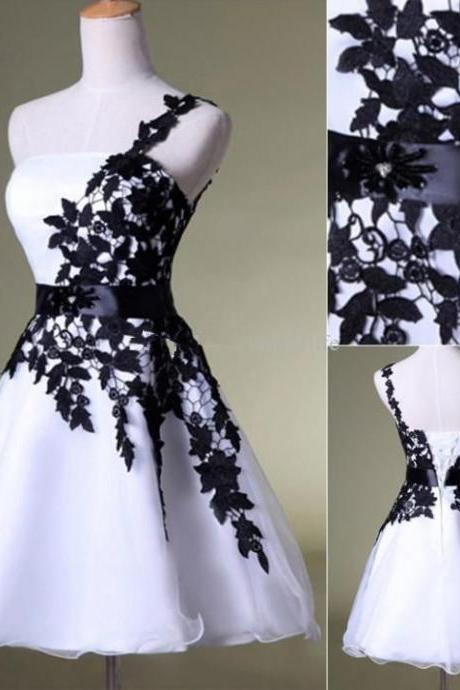Hot Sale Black Lace White Organza Short Prom Dresses Homecoming Dress
