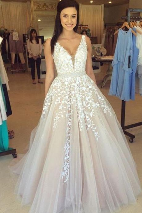 Charming Champagne Prom Dress,V-Neck Prom Dress,Appliques Prom Dress,Tulle Prom Dress,A-Line Evening Dress